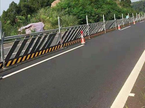 高速围挡施工案例